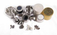 行星式球磨机研磨球材质有哪些?该如何选用?